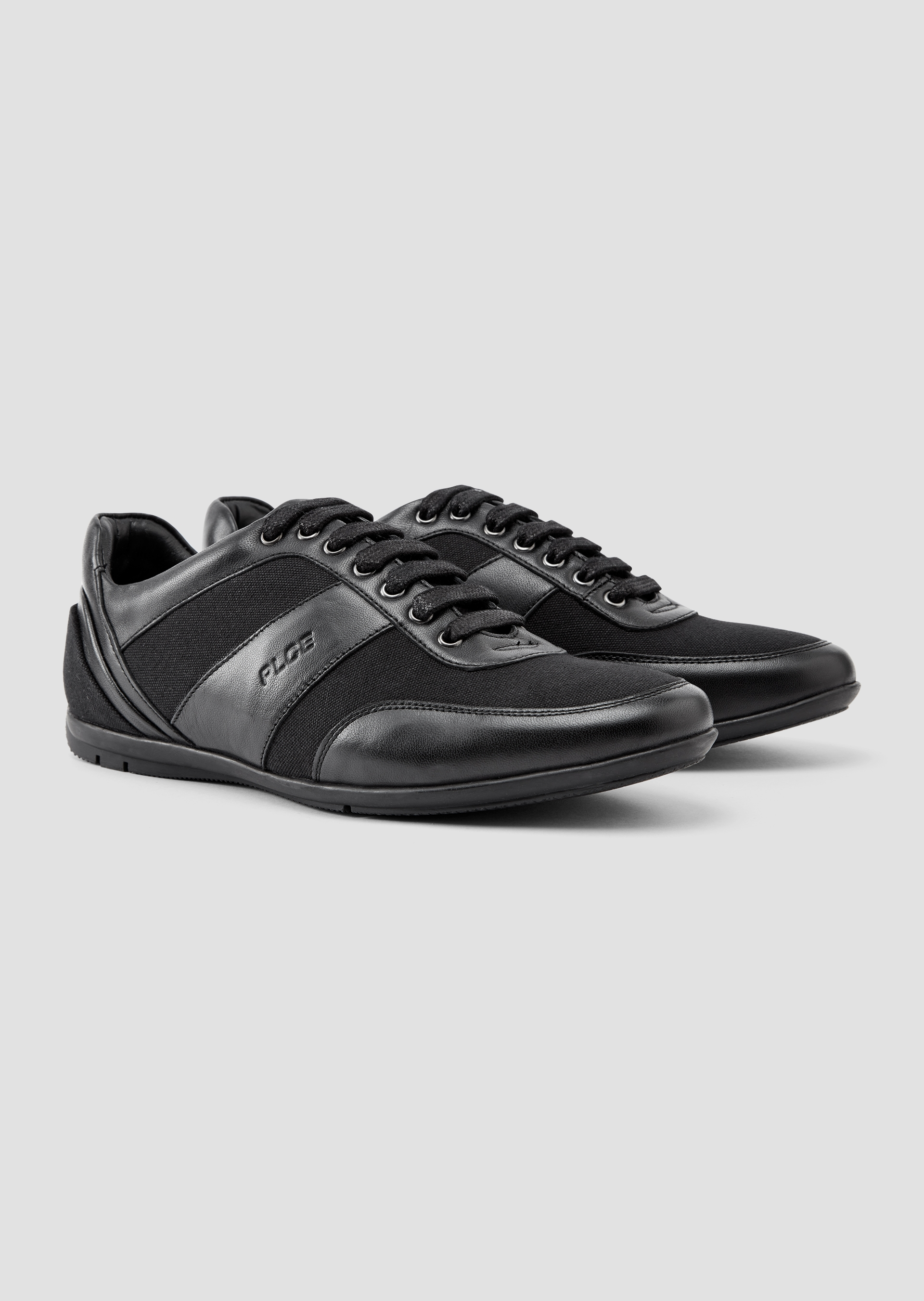 Perill Sneakers second_image