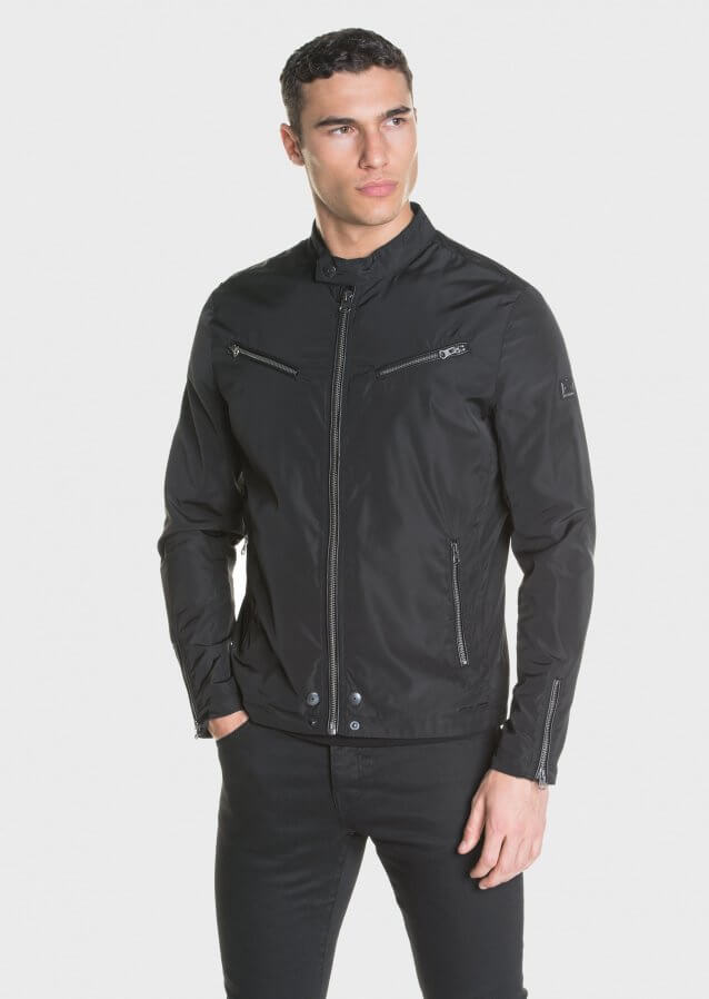 Multi zip pocket lightweight jacket