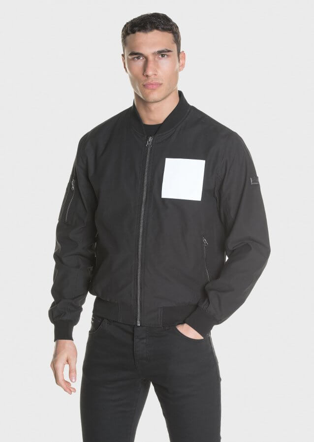 Lightweight bomber in cotton nylon with chest reflective print
